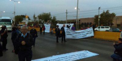 Ex trabajadores de Mexicana de Aviación bloquean Circuito Interior