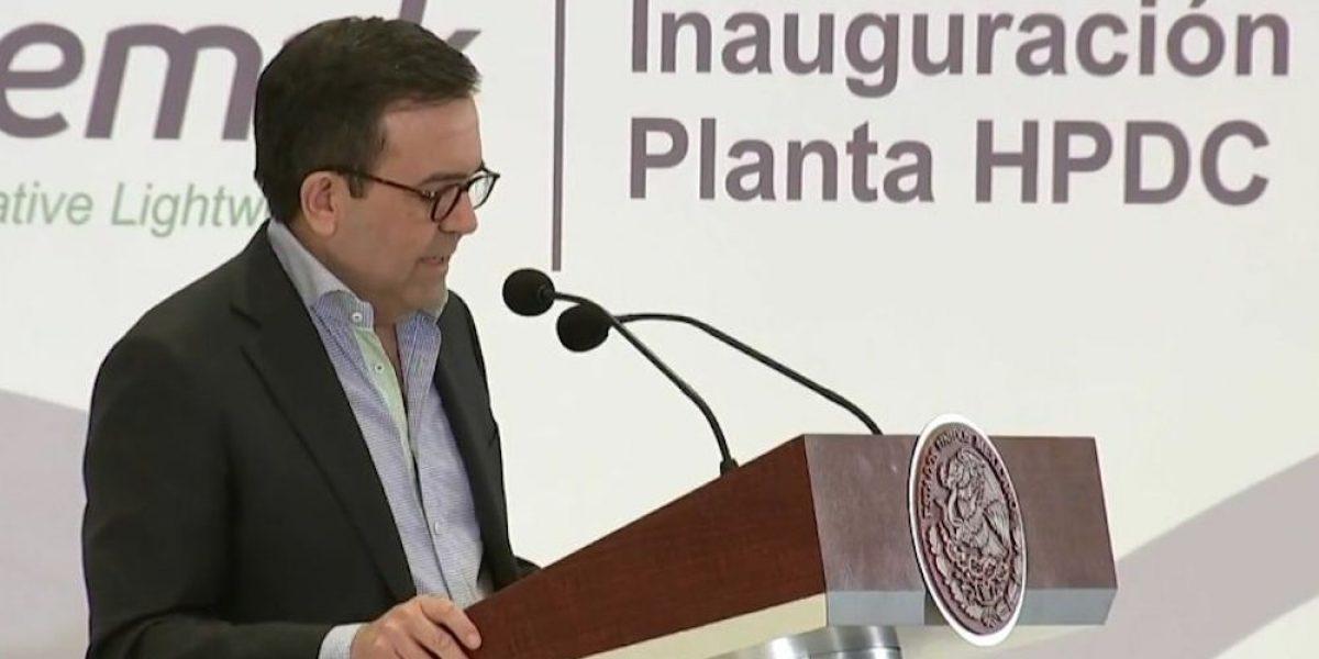 Secretario de Economía viaja a Londres para analizar futuro tratado comercial