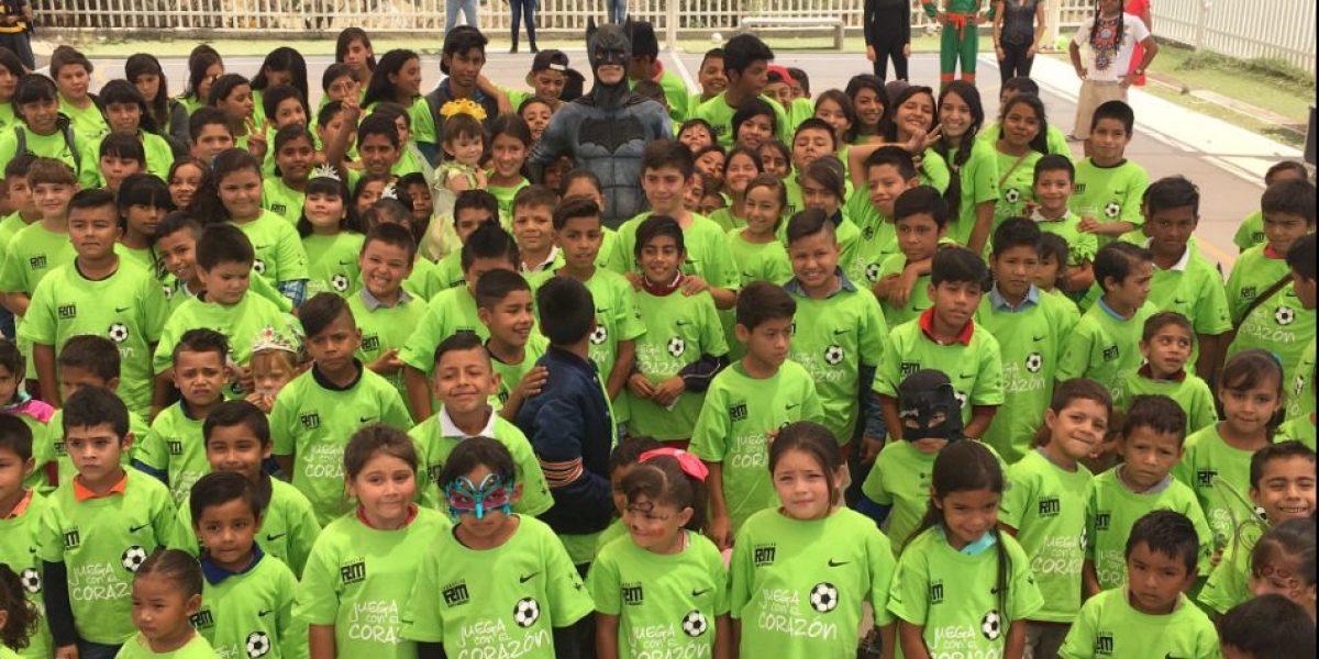 VIDEO: Rafa Márquez se disfraza de súper héroe por Día del Niño