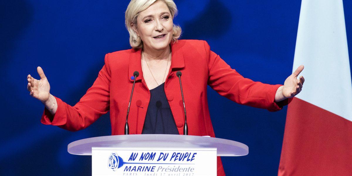 Francia: Marine Le Pen renuncia a la presidencia del Frente Nacional