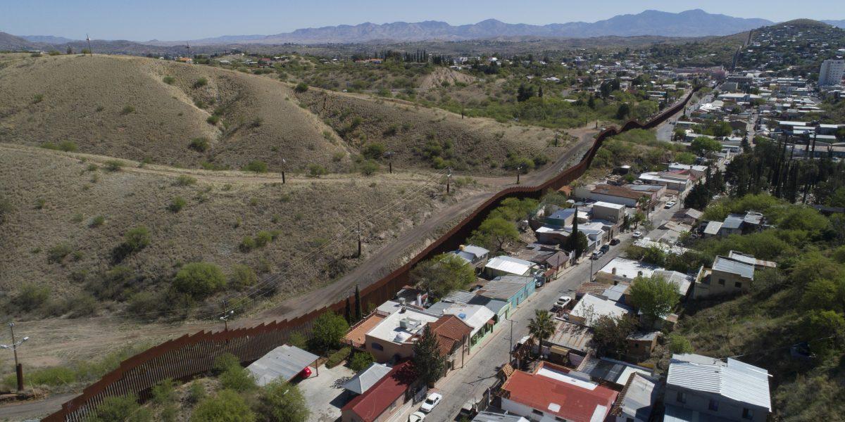 Demandan a Trump por la construcción del muro fronterizo con México