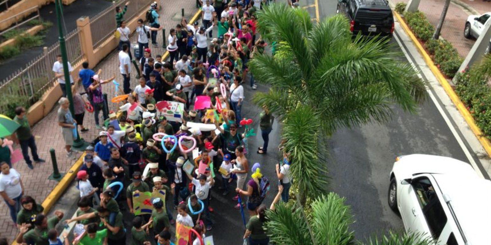 Marcha de la esperanza del Colegio Jesucristo Rey de Reyes Foto:Metro. Imagen Por: