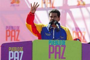 Nicolás Maduro advirtió que no tendrá debilidad alguna para enfrentar las protestas estudiantiles que se han extendido por las principales ciudades del país. Foto:The Associated Press. Imagen Por: