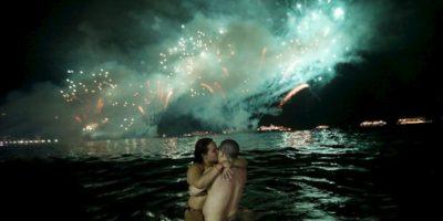 """2.- """"Un mundo nace cuando dos se besan"""" Foto:Getty images. Imagen Por:"""