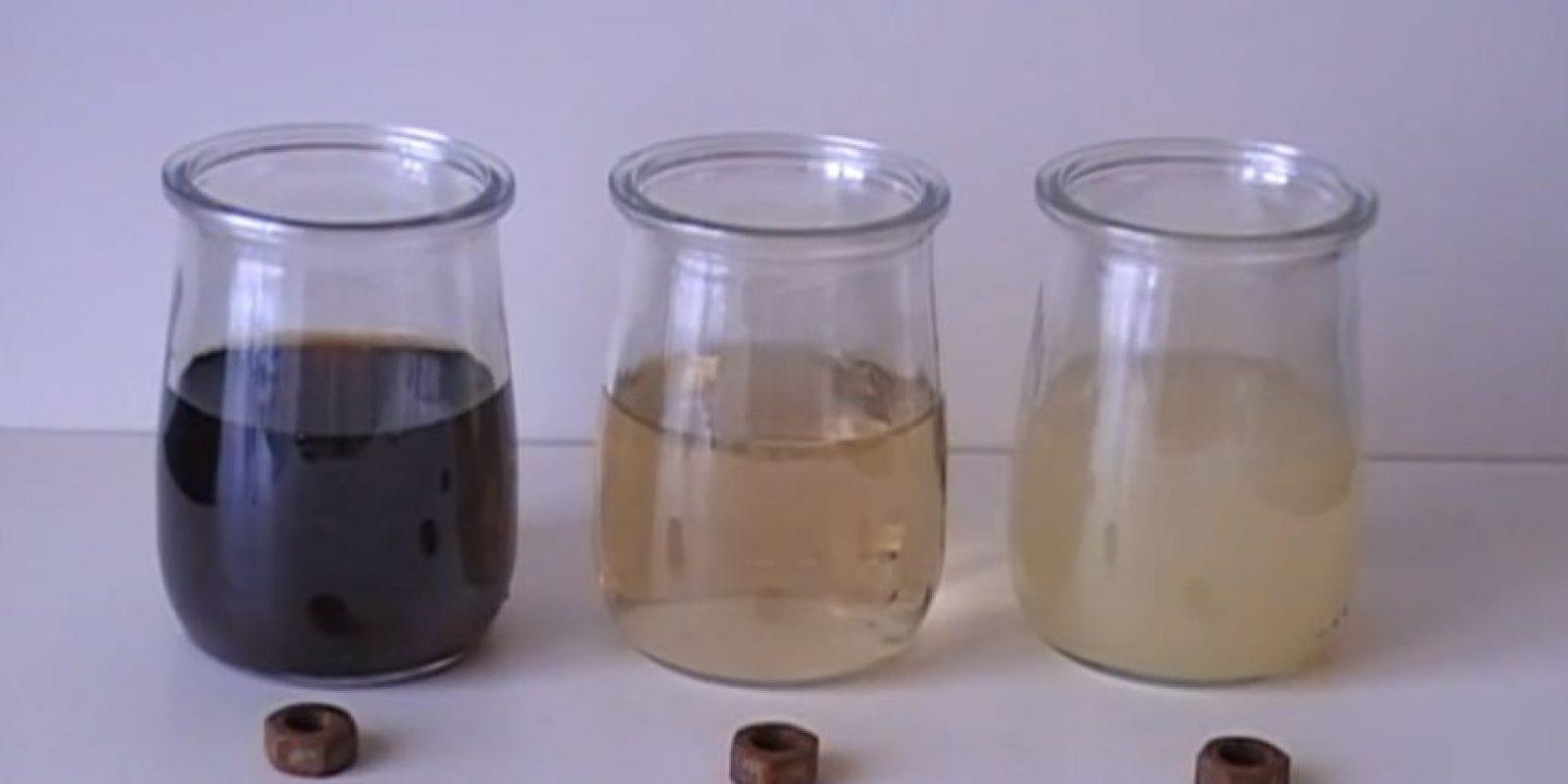 Herramientas oxidadas dentro de refresco de cola Foto:Captura. Imagen Por: