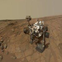 Deimos. Es una de las dos lunas de Marte: la más exterior y también la más pequeña, ya que sólo mide 15 kilómetros de ancho Foto:Getty Images. Imagen Por: