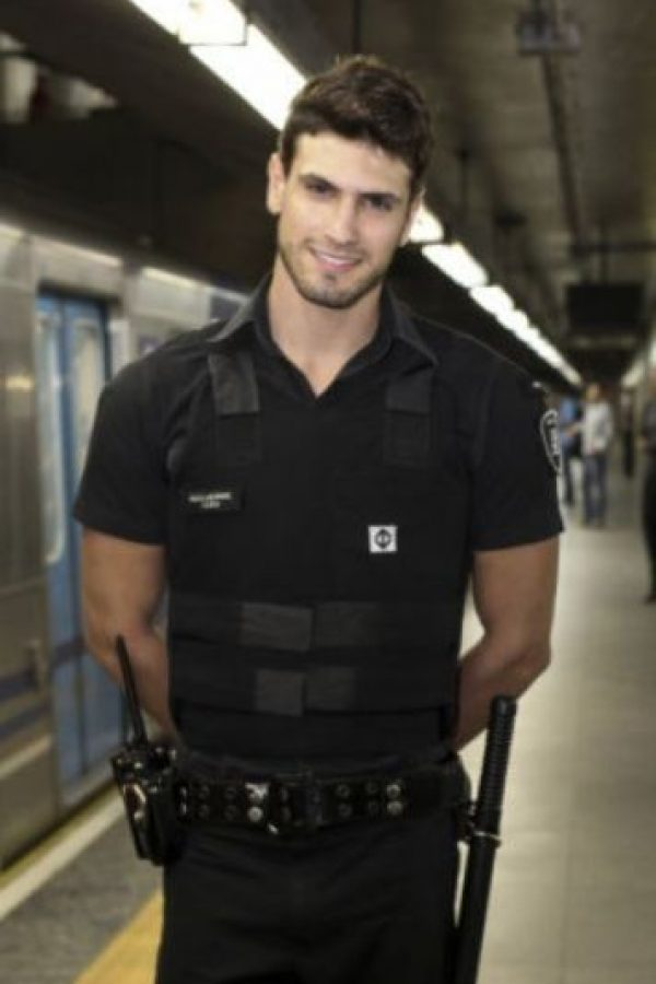 Estos Son Los Policias Mas Guapos Del Mundo Metro Nosotros los guapos temporada 4 capitulo 23 ¡lucharán por la felicidad de los niños! estos son los policias mas guapos del
