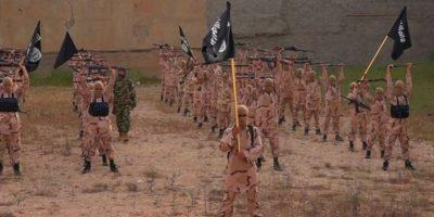 """Con cobro de impuestos y una """"Constitución"""", el grupo Estado Islámico planea financiar sus actos terroristas y convertirse en un Estado independiente Foto:AP. Imagen Por:"""