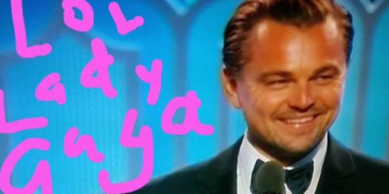 Y luego al él mismo ganar un Globo de Oro. Foto:vía Twitter. Imagen Por: