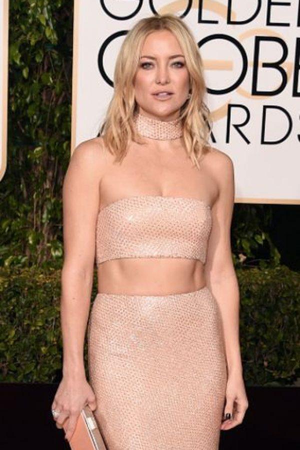 Kate Hudson usa un modelo que fue popularizado por Lily Depp en su debut. Pero definitivamente, a Kate Hudson la desluce mucho. Los 90 no son para todas. Foto:vía Getty Images. Imagen Por: