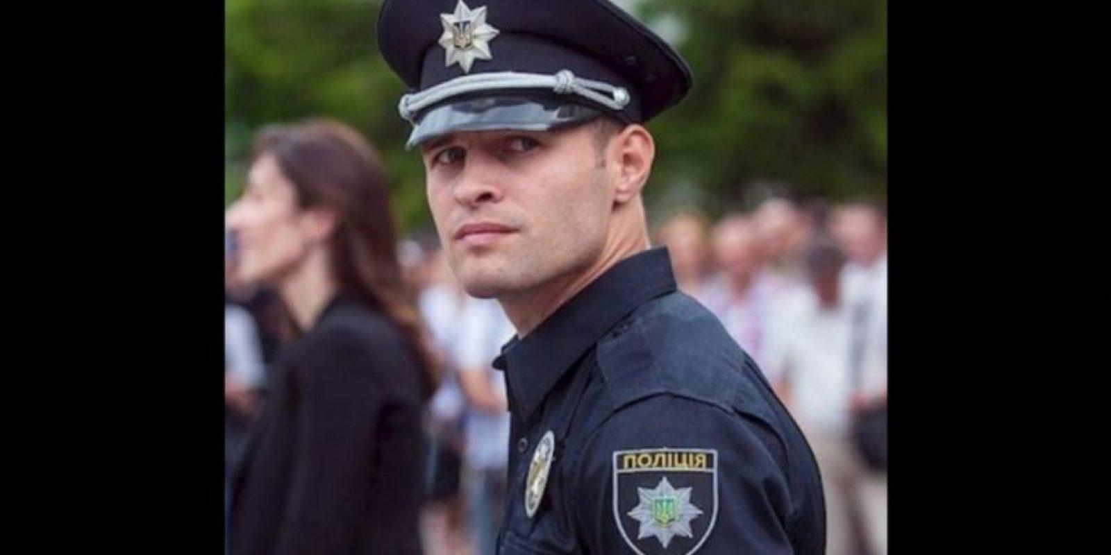 5. Los más guapos policías de Ucrania Foto:Vía Twitter. Imagen Por: