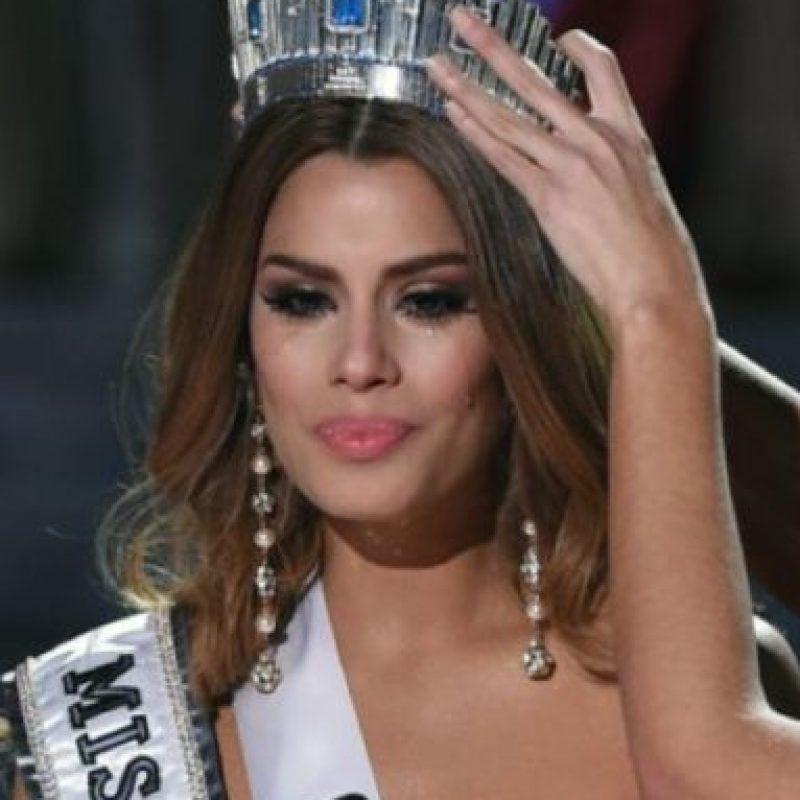 No era la coronada. Steve Harvey había leído mal. Foto:vía Getty Images. Imagen Por:
