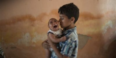 El ministerio de Salud de Brasil aseguró que tiene evidencias de la relación entre el virus y el aumento de nacimientos de niños con microcefalia Foto:AP. Imagen Por: