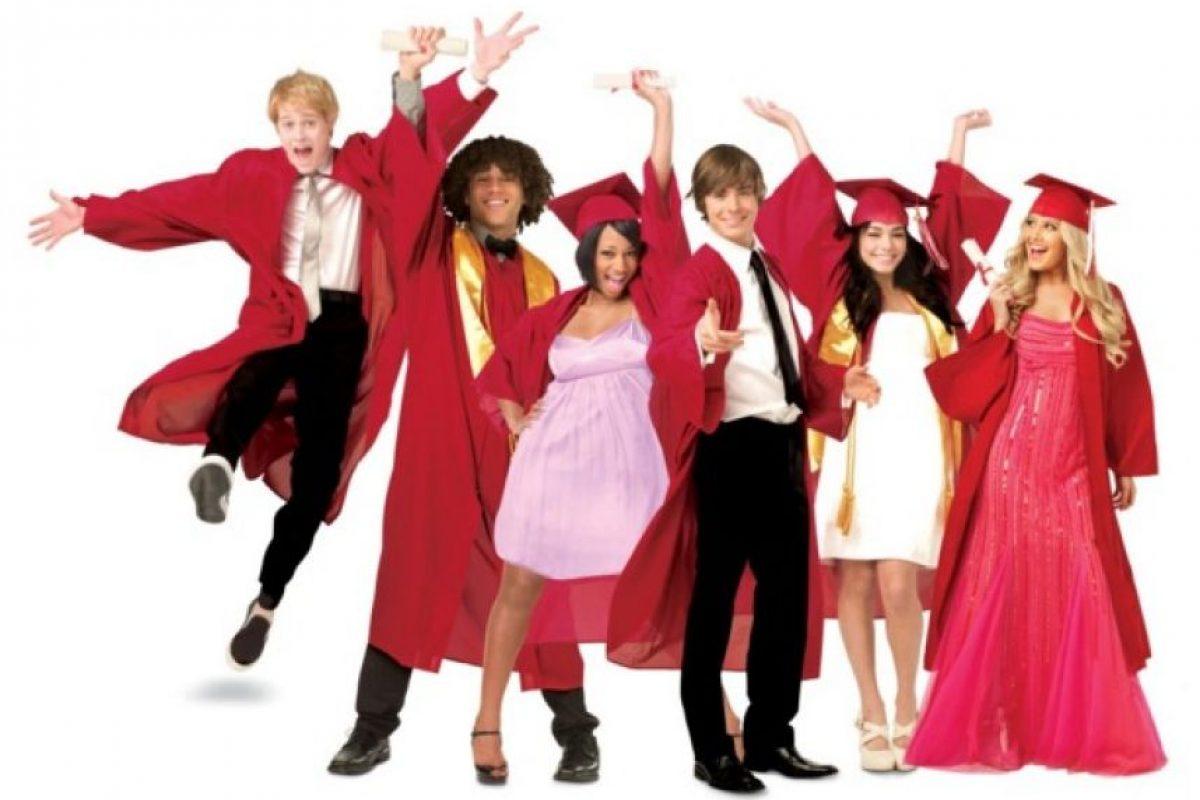 """Para celebrar los 10 años de la cinta, el próximo 20 de enero Disney Channel transmitirá un especial con los protagonistas de """"High School Musical"""". Foto:Disney. Imagen Por:"""
