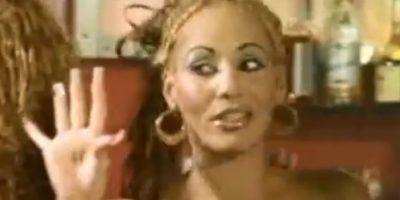 """Cuando regresó a Puerto Rico, entró en contacto con DJ Negro, quien la incluyó en su proyecto """"Noise"""". Allí escribió una cancikón muy famosa: """"Somos raperos pero no delincuentes"""". Foto:vía Youtube. Imagen Por:"""