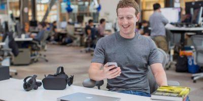 Mark Zuckerberg regresó al trabajo tras su permiso de paternidad. Foto:Vía facebook.com/zuck. Imagen Por: