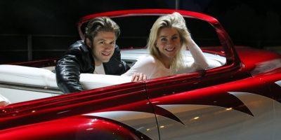 """En esta imagen difundida por Fox, de izquierda a derecha, Aaron Tveit y Julianne Hough ensayan para """"Grease:Live"""", que se transmite el domingo 31 de enero del 2016 a las 7 p.m. hora del este. (Kevin Estrada/FOX vía AP). Imagen Por:"""