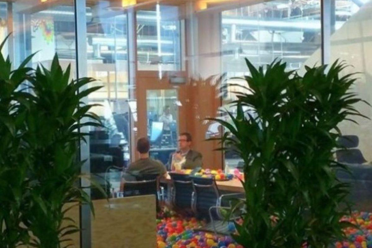 Mark en una reunión. Foto:Vía twitter.com/cas42it. Imagen Por: