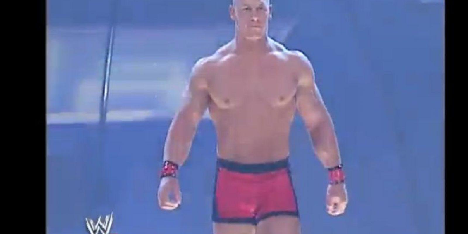 Contestó el reto abierto de Kurt Angle, el 27 de junio de 2002 Foto:WWE. Imagen Por: