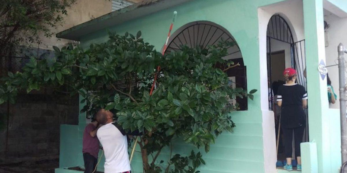 Voluntarios arreglan casa de crianza del salsero Ismael Rivera