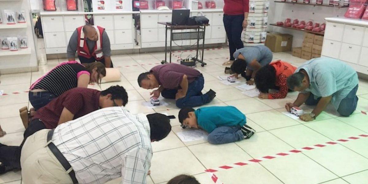 Cruz Roja ofrece técnicas para salvar vidas mediante el uso de las manos