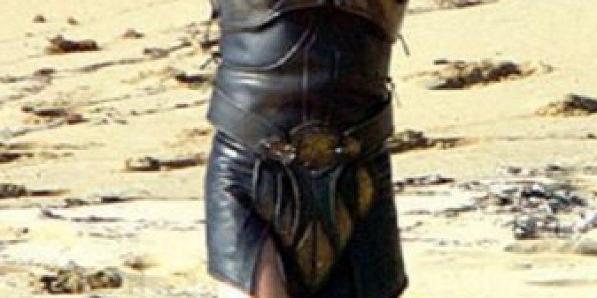 Brad Pitt deja al descubierto sus piernas y no son como las imaginábamos