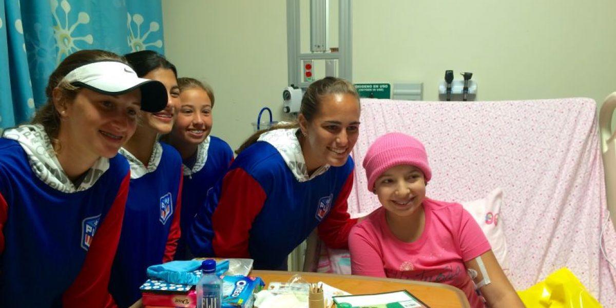 Mónica Puig visita a niños del hospital San Jorge