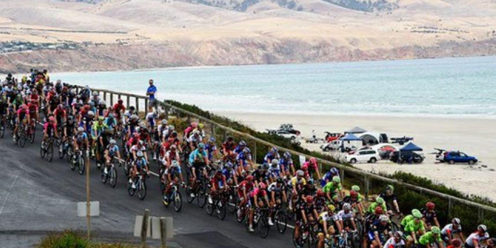Esto ocurrió durante el Campeonato Mundial de Ciclocross Sub-23. Foto:Vía twitter.com/UCI_cycling. Imagen Por: