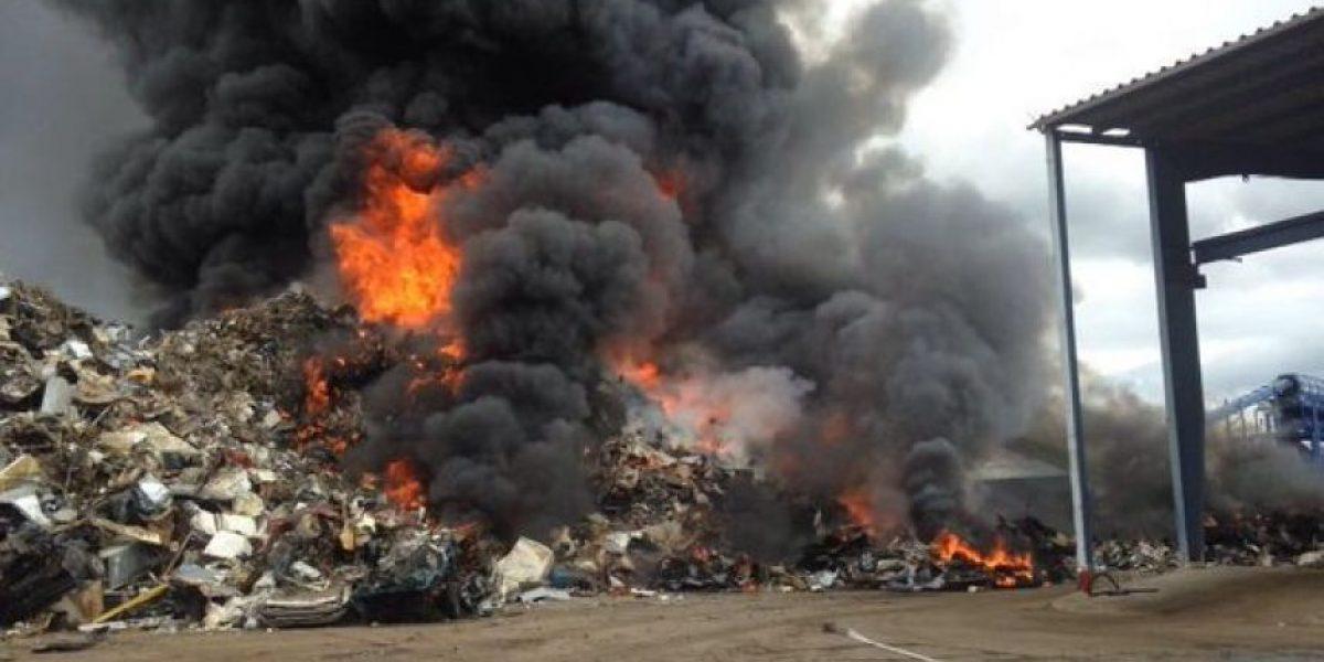 Fuego en recicladora de Salinas