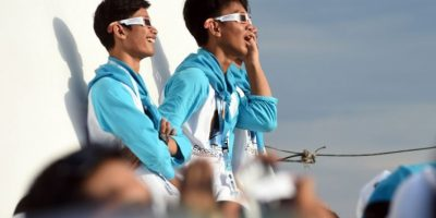 Pasajeros abordo cruceros se reunieron para ver el fenómeno. Foto:AFP. Imagen Por: