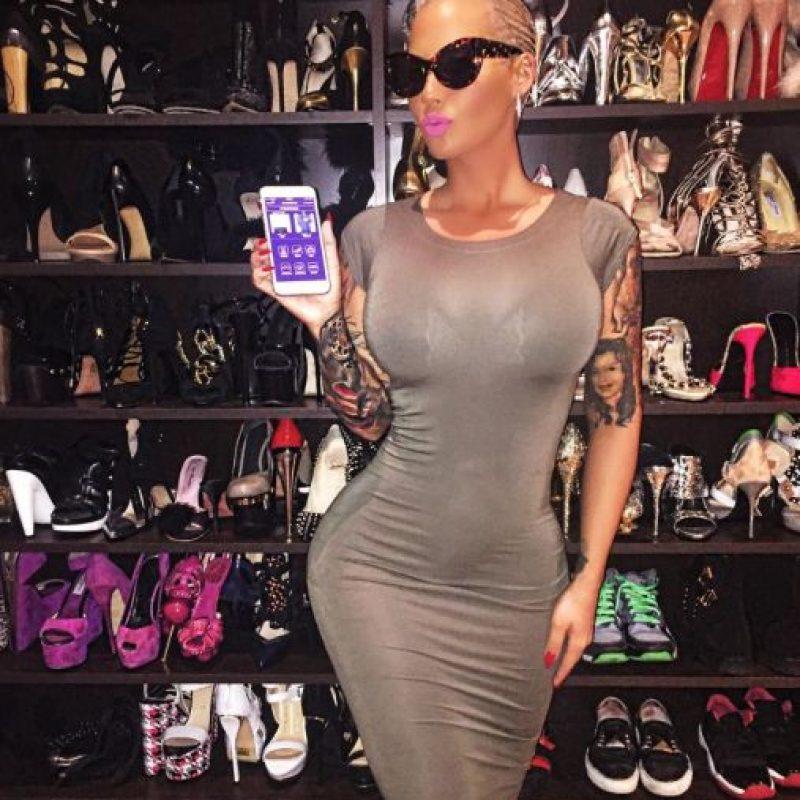 Amber Rose realizó striptease bajo el seudónimo Paris a los quince años de edad después del divorcio de sus padres para proveer a su familia. Foto:Vía Instagram/@amberrose. Imagen Por: