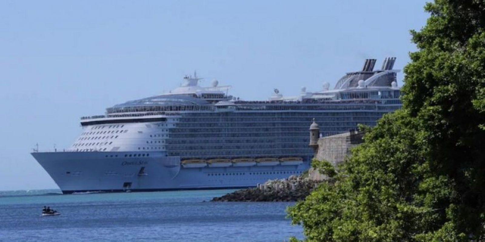 El crucero más grande del mundo hizo su entrada hoy a la Bahía de San Juan. Foto:Twitter @joselitodiaz. Imagen Por: