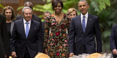 Para la cena de estado, Michelle Obama optó por un diseño de Naeem Khan.. Imagen Por: