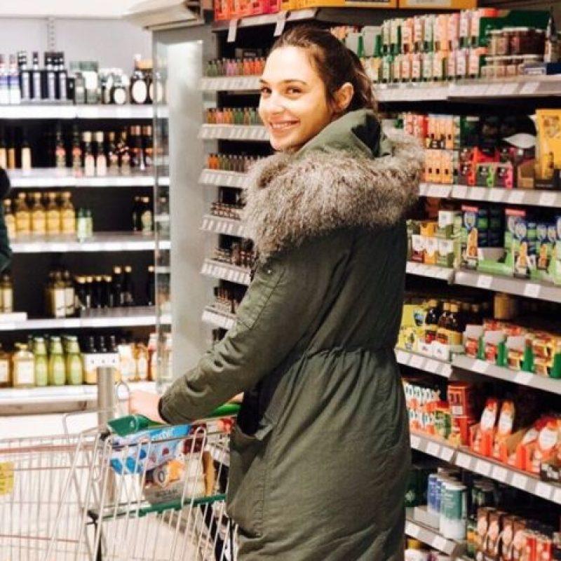 """Así es el contraste entre la """"Mujer Maravilla"""" y la vida diaria de Gal Foto:Vía Instagram/@gal_gadot. Imagen Por:"""