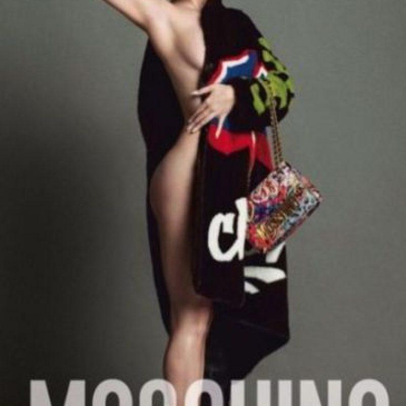Lo hizo para Moschino. Foto:vía Instagram. Imagen Por: