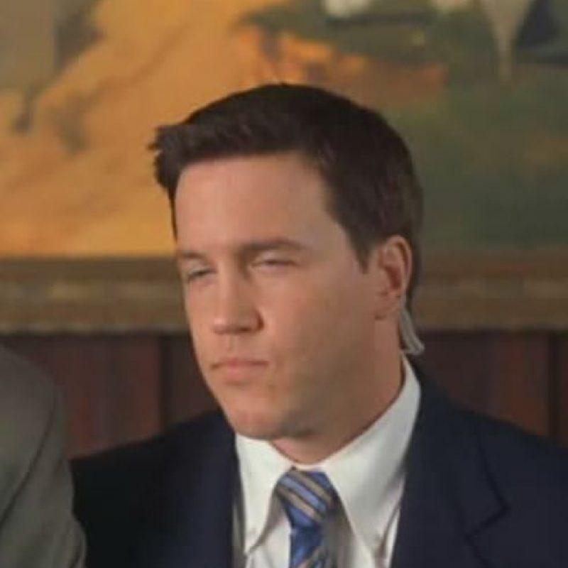 """Lochlyn Munro era el agente """"Jake Harper"""", quien siempre caía ingenuamente en las comparaciones grotescas de su compañero Vincent. Foto:Wayans Bros. Production. Imagen Por:"""