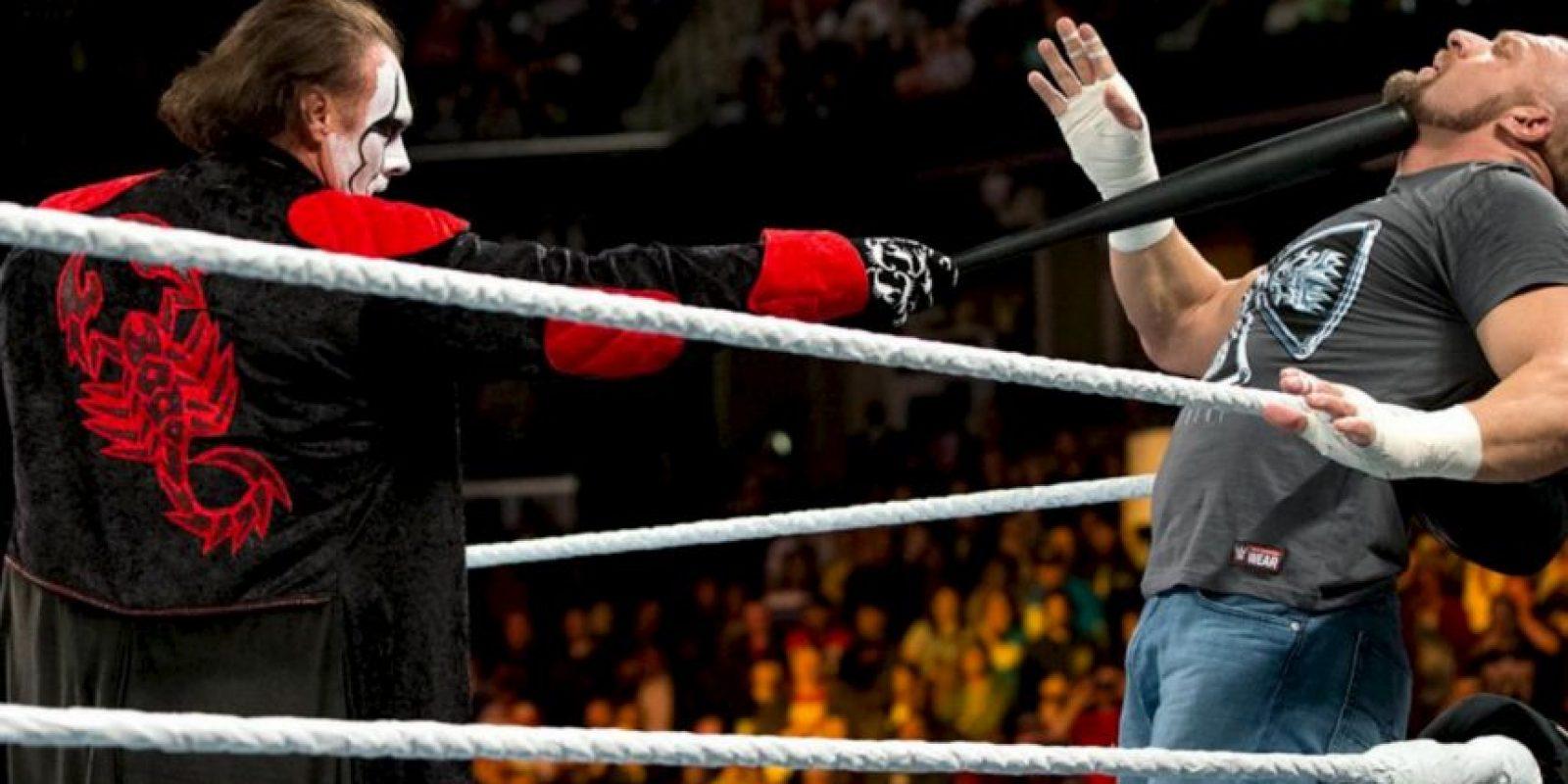 """En 2014, Sting se unió a la WWE y su debut fue en """"Survivor Series"""", atacando a Triple H para darle el triunfo a """"Team Cena"""", equipo liderado por John Cena. Foto:WWE. Imagen Por:"""