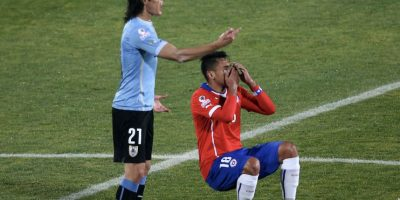 1. Gonzalo Jara le metió el dedo en el trasero a Edinson Cavani. Foto:Getty Images. Imagen Por:
