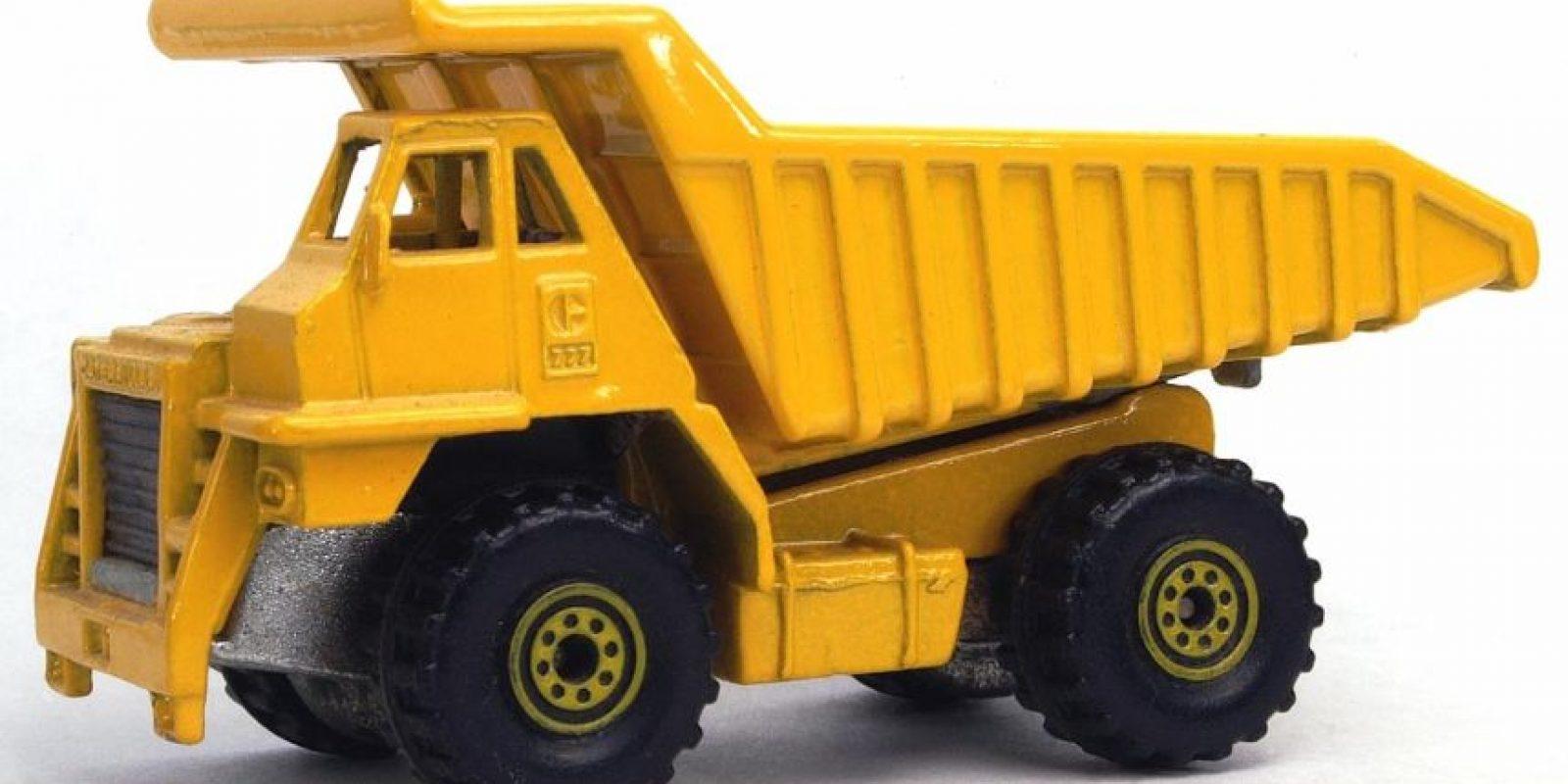 """CAT Dump Truck"" Foto:Hotwheels.wikia.com. Imagen Por:"