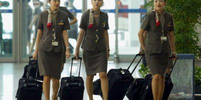 Tripulante de Cabina de Pasajeros es la denominación correcta para lo que todos conocemos por azafata, auxiliar de vuelo o aeromoza. Foto:Getty Images. Imagen Por:
