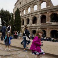 Su familia aprovecho para que conociera el Coliseo Romano, uno de los monumentos emblemáticos de la ciudad. Foto:AP. Imagen Por:
