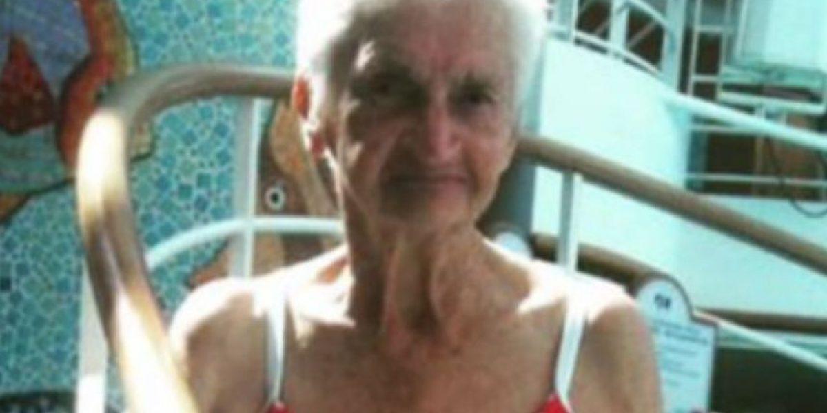 Anciana se hace viral por mostrar su cuerpo en bikini