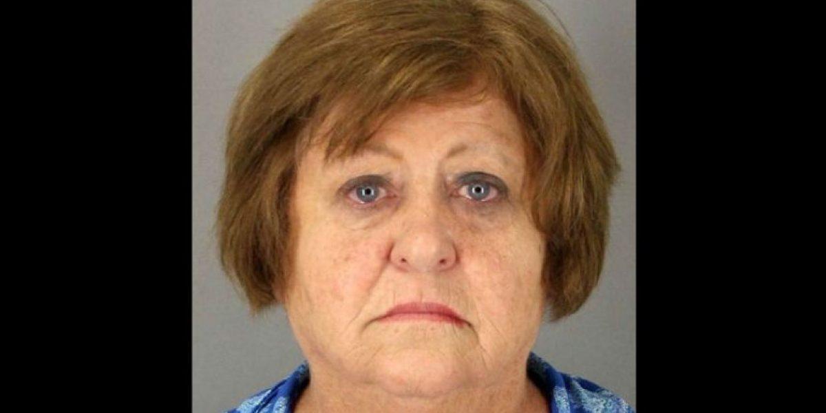 Arrestan a maestra en Texas por golpear en la cabeza a un alumno