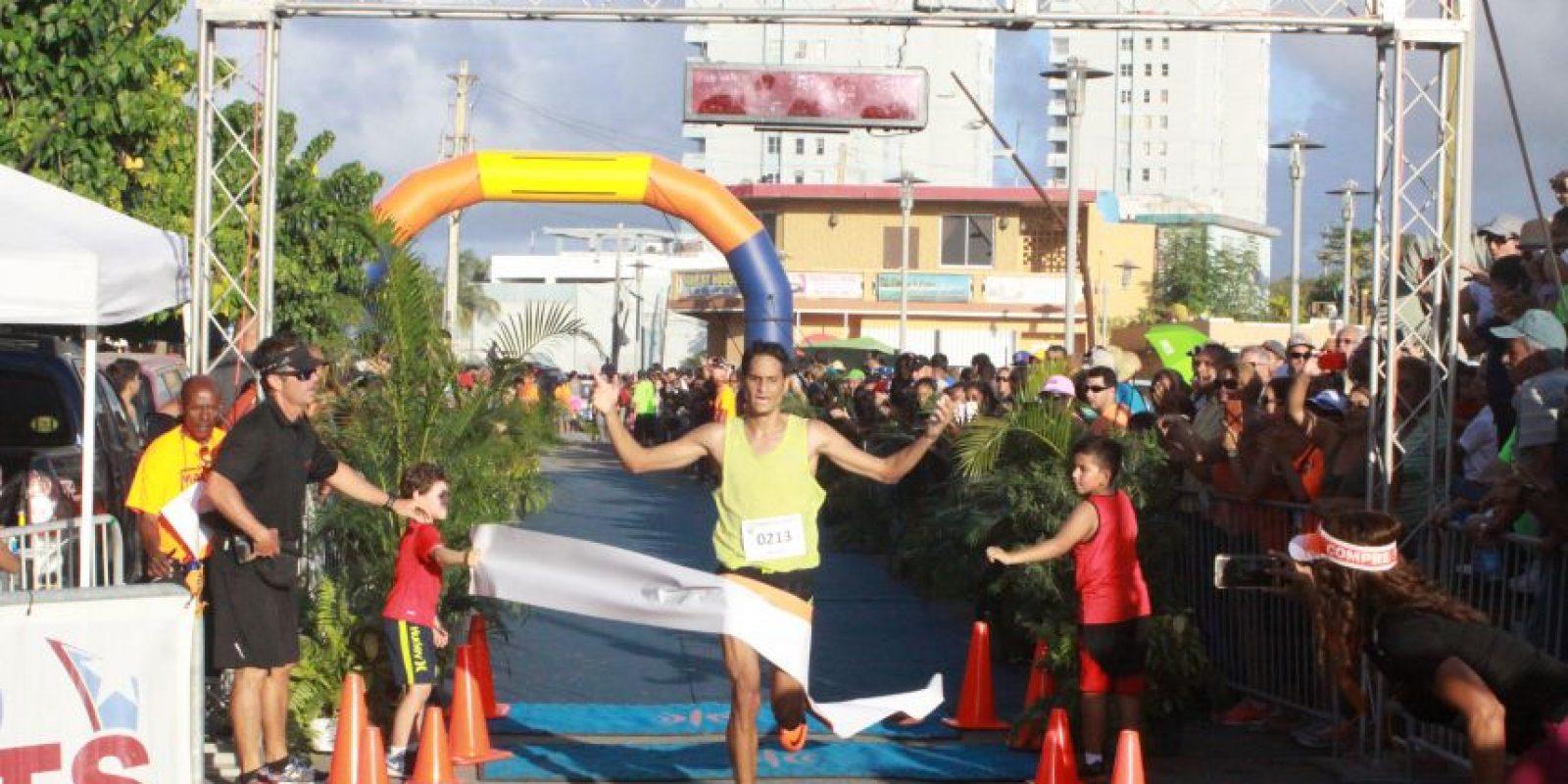 Elvis Maldonado completó la ruta en 43 minutos para ganar el Maratón malelo. Foto:Suministrada. Imagen Por: