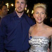 Acá, con Scarlett Johansson, antes de que los dos estuvieran en el universo Marvel. Foto:vía Getty Images. Imagen Por: