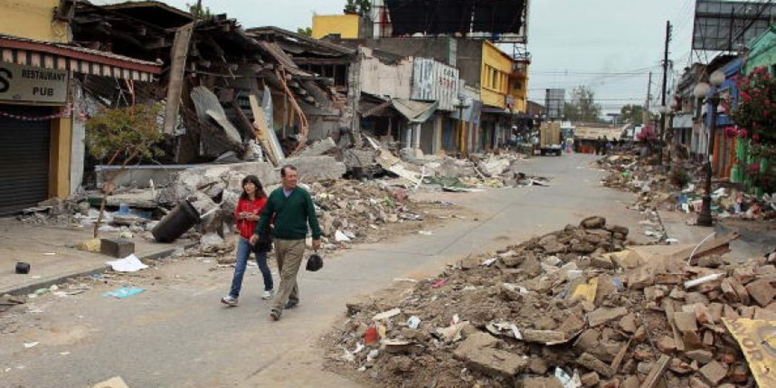 8. 27 de febrero de 2010, Bio-Bio, Chile: 12 mil personas heridas y más de 800 mil sin hogar. Foto:Getty Images. Imagen Por: