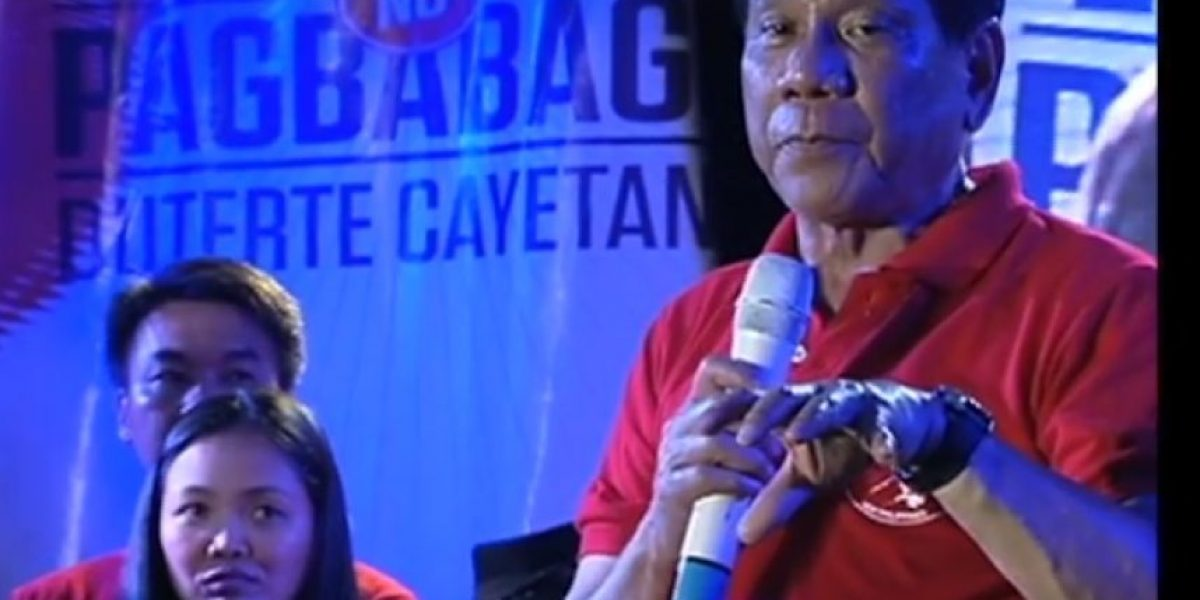 Candidato presidencial se burla de mujer violada y desata polémica