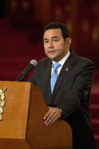 El 14 enero de 2016 ocupó el cargo como mandatario de Guatemala. Foto:AP. Imagen Por: