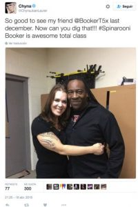 """""""Fue muy bueno ver a mi amigo Booker T Huffman en diciembre pasado. Es de una clase total impresionante"""". Foto:Twitter.com/ChynaJoanLaurer. Imagen Por:"""