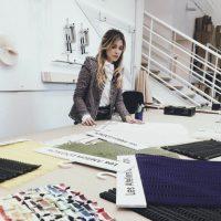 O en la preparación de la colección de Chanel. Foto:vía Instagram. Imagen Por: